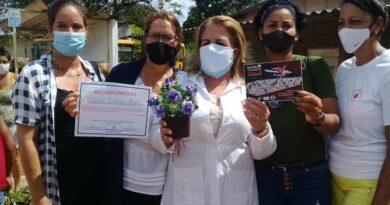 Recibió #Jaruco, a colaboradora que enfrentó la COVID-19 en Honduras +(Video)