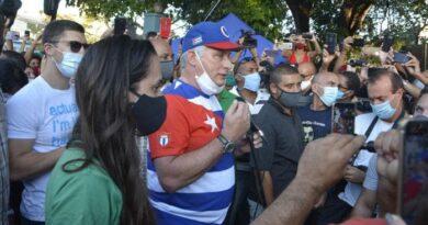 El Presidente Miguel Díaz-Canel Bermúdez ratificó que en Cuba hay espacio de diálogo para todo lo que sea por el socialismo, para todo lo que sea por la Revolución. Foto: Juvenal Balán