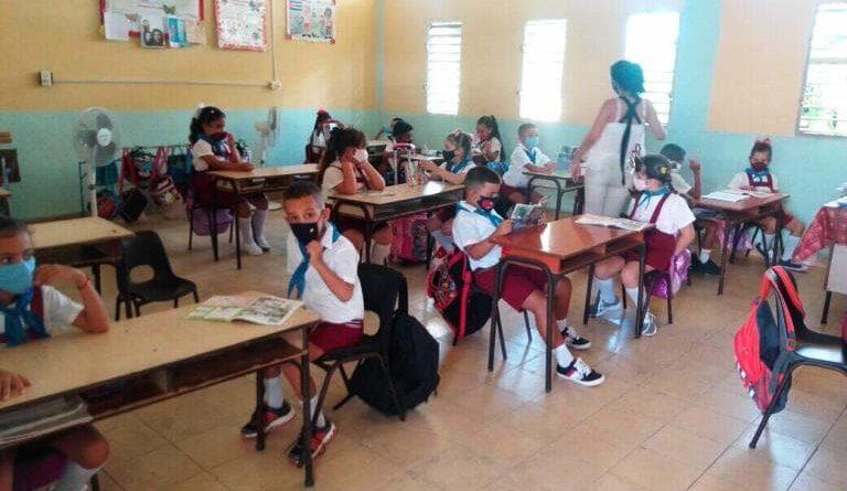 Escuela Primaria América Latina. Foto Yordan Díaz