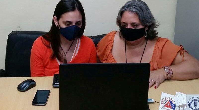 Las periodistas Anayfer Murga y Anelis Díaz representaron a Radio Jaruco en el Primer Festival Nacional Virtual de la Prensa. Foto RJ