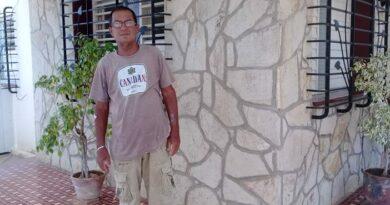 Carlos Manuel Mesa Rojas es un jaruqueño que agradece en su testimonio, los esfuerzos del Sistema de Salud cubano que le garantiza el tratamiento de Hemodiálisis. Foto Yordan Díaz