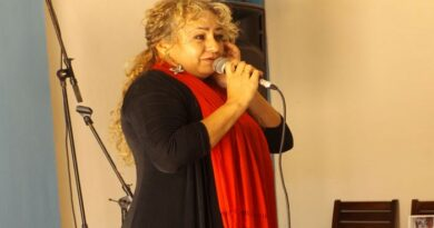 Anita Peraza , cantante jaruqueña