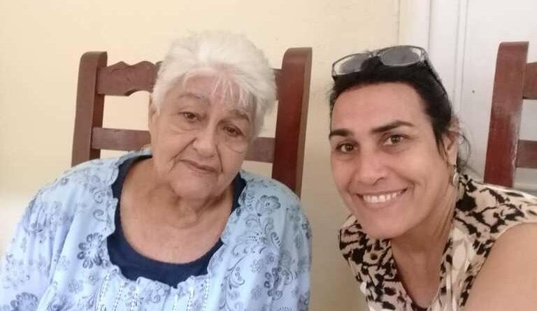 La maestra de #Jaruco, Edelmira González Brito y su hija la doctora Miriam. Foto Marlene Caboverde