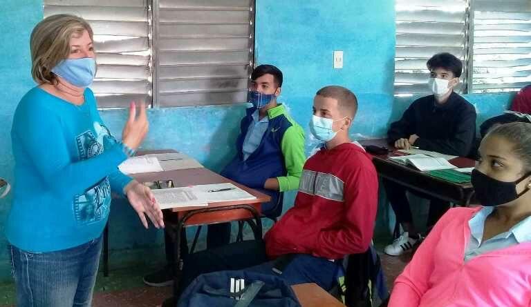 Selene Perera, afirma que el magisterio sigue siendo su vocación. Foto Anayfer Milagros Murga Díaz