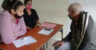 Acude población a puestos de atención a núcleos vulnerables, en #Jaruco. Foto Marlene Caboverde