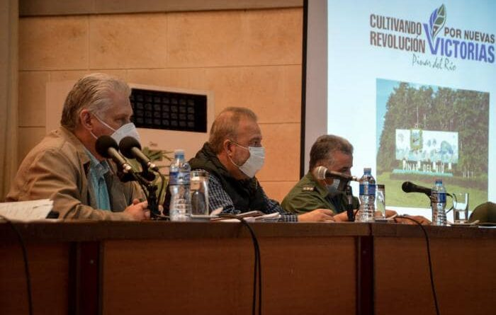 Constata Díaz-Canel asuntos de alta importancia en Pinar del Río. Foto: Estudios Revolución