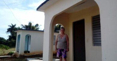 Julia María Basanta Triana es una jaruqueña que disfruta de un nuevo hogar gracias al Programa de la Vivienda. Foto Anelis Díaz