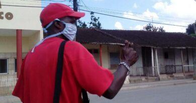Mario Ófarril un jaruqueño identificado por el pueblo como el médico sin bata blanca. Foto AnelisDíaz