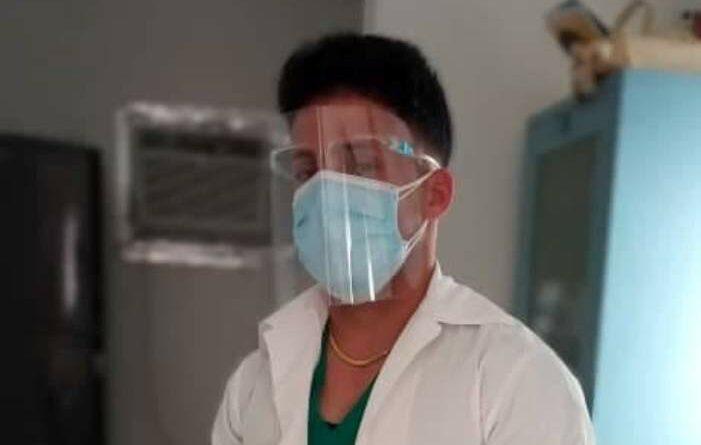 Doctor Fermín Pereira Llerena es un jaruqueño que salva vidas frente a la Covid-19.