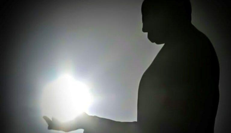 Martí de luz. Foto: Abel Padrón Padilla/Cubadebate