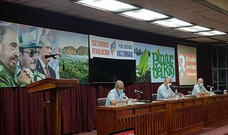 Inicia en Cuba ciclo de debates sobre congreso del PCC. Foto Prensa Latina