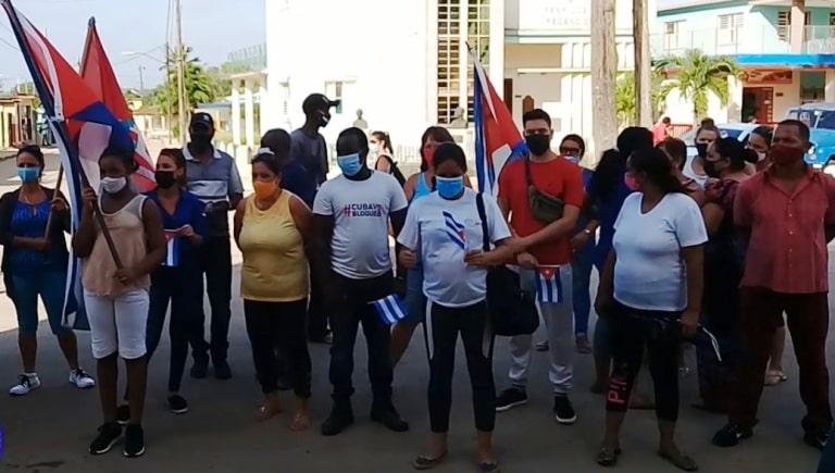 Protagonizaron jóvenes de Jaruco jornada de rechazo al Bloqueo impuesto por Estados Unidos a Cuba . Foto Radio Jaruco