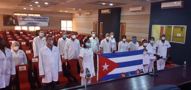 Abanderaron brigada médica para enfrentamiento a la Covid-19 en Mayabeque. Foto: Periódico Mayabeque.