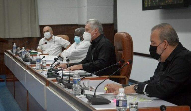 Aprueba Consejo de Ministros perfeccionamiento de actores de la economía cubana. Foto: Estudios Revolución.
