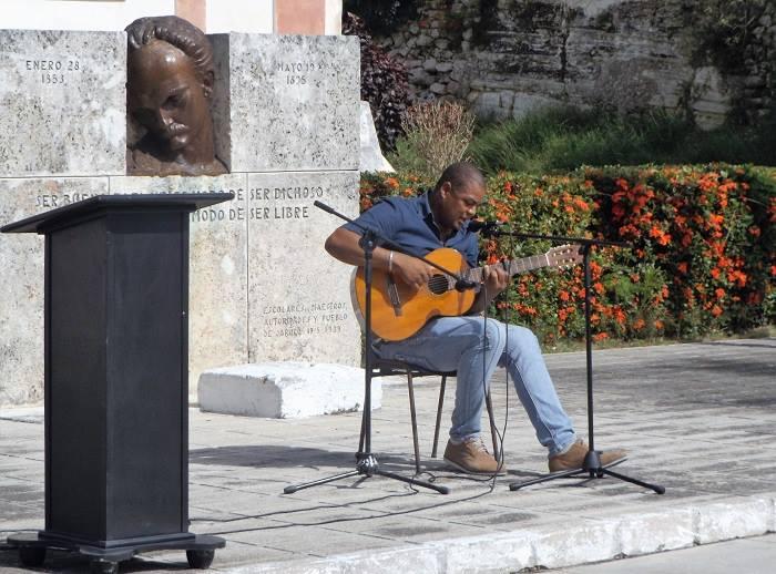 Cantautor de Jaruco, Iván Gutiérrez (Ifel). Foto Francisco Martínez Chao