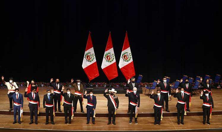 Gabinete incompleto jura ante nuevo presidente peruano Pedro Castillo. Foto Prensa Latina