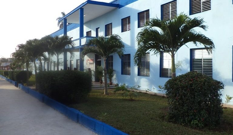 Escuela Secundaria Básica Frank País García de Jaruco. Foto Archivo