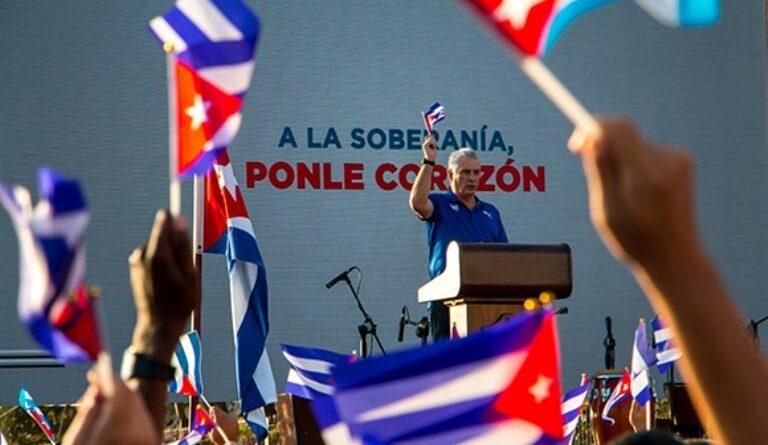 Miguel Díaz Canel, Presidente de la República, durante su intervención en el acto de reafirmación revolucionaria en La Habana. Foto: Abel Padrón Padilla/ Cubadebate.