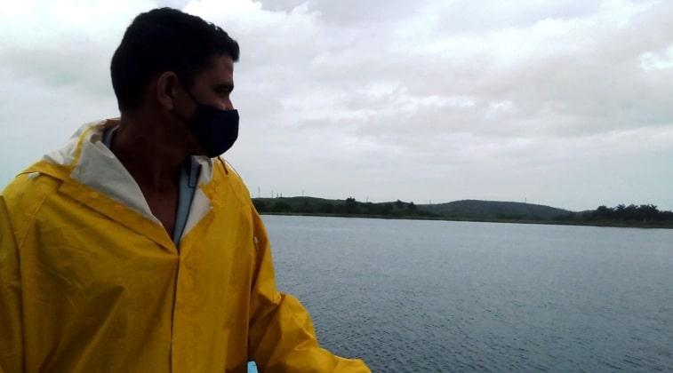 Yolexis Pérez observador de la presa de San Miguel en Jaruco. Foto: Anelis Díaz