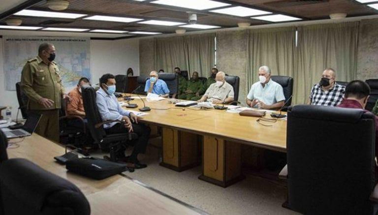 Gobierno cubano establece centro de dirección para garantizar abastecimiento de oxígeno medicinal. Foto: Estudios Revolución