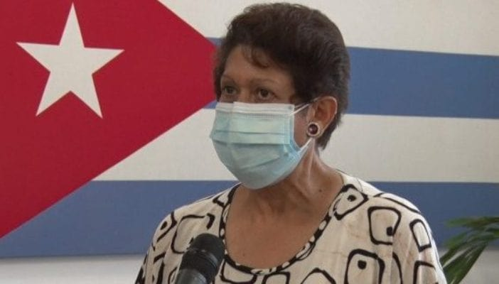 La ministra Ena Elsa Velázquez informó a los periodistas sobre el reinicio del curso 2020-2021. Foto: Cubadebate.