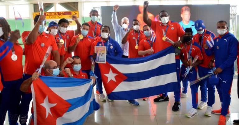 Una delegación olímpica digna de su pueblo. Foto Ricardo López Hevia