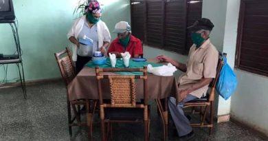 Trabajadores sociales de Caraballo velan por la salud de los ancianos